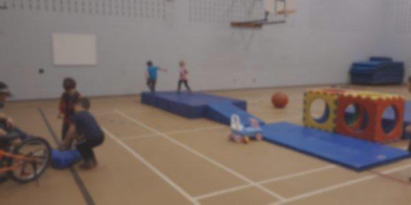 Activités de mini-gym pour les enfants de 6 ans et moins